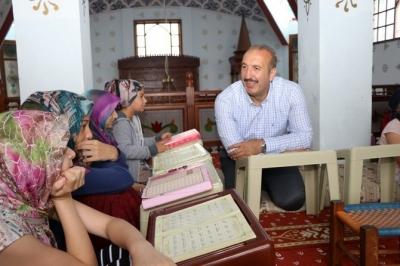 Ardeşen Belediye Başkanı Gültekin'den 1500 Kur'an Kursu Öğrencisine Hediye