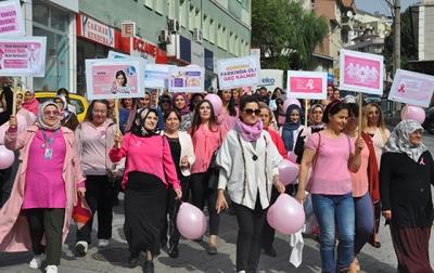 Artvin'de meme kanseri farkındalık yürüyüşü düzenlendi