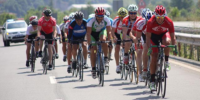 Rize'de Bisiklet Yol Yarışı tamamlandı
