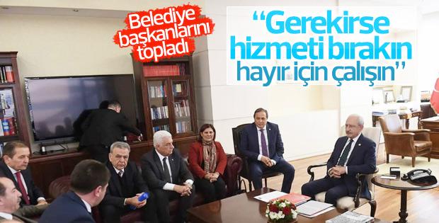 CHP Lideri, referandum öncesi büyükşehir ve il belediye başkanlarını genel merkezde ağırlayarak referandum için görevlerini bildirdi.