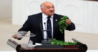 Bayraktutan Çaycının Sorunlarını Meclise Taşıdı