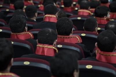 Bin 300 yeni hakim ve savcı alınacak