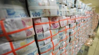Bütçe 7.6 milyar lira fazla verdi