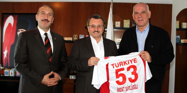 Hentbol Federasyonu Başkanı, Sütlüoğlu'nu ziyaret etti