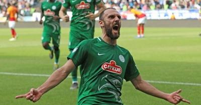 Çaykur Rizespor, Vedat Muric'in transferi için Fenerbahçe ile anlaştı
