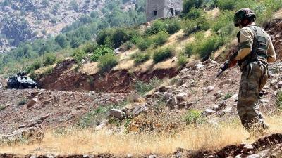 Çukurca'da 2 asker şehit oldu