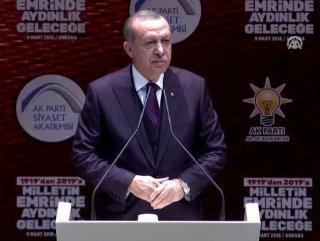 Cumhurbaşkanı Erdoğan Siyaset Akademisi toplantısında