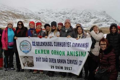 Cumhuriyet Bayramı'nda Ovit Dağı'na Çıktılar