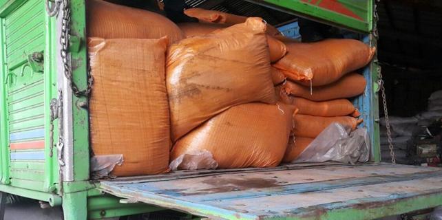 Rize'de 13 ton kaçak kuru çay yakalandı