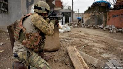 Diyarbakır'daki çatışmada 2 asker şehit oldu