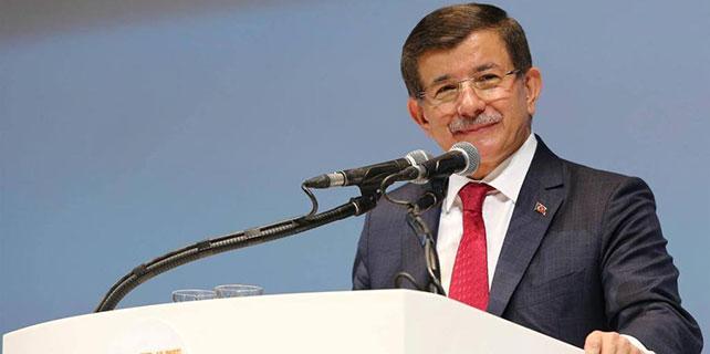 Davutoğlu yeniden genel başkan seçildi