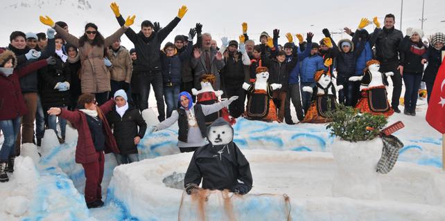 Ovit'te kardan adam yapma rekoru kırıldı
