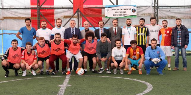RTEÜ Öğrenci Konseyi Futbol Turnuvası başladı