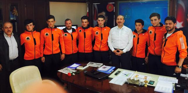 Gültekin, Ardeşen Belediyesi Rafting takımını ağırladı