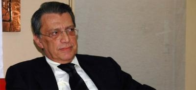 Eski Başbakan Mesut Yılmaz Ameliyat Oldu
