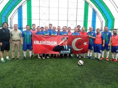 Esnaflar Şehit Emniyet Müdürü Altuğ Verdi Anısına Futbol maçında Vali Çeber ve Kamu Görevlileri İle Maç Yaptı