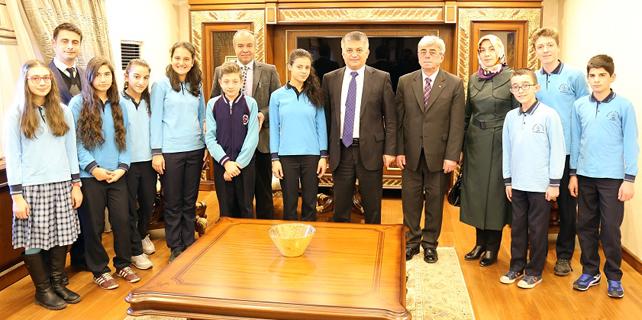 Başarılı öğrenciler İstanbul gezisinden döndü