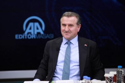Gençlik ve Spor Bakanı Bak: Bütün takımların altyapıya yatırım yapması lazım