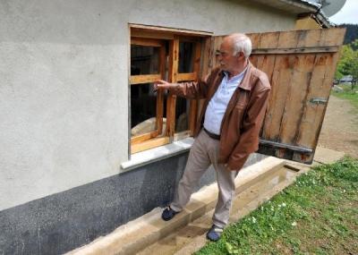 Gümüşhane'de teröristler evlerden erzak çaldı