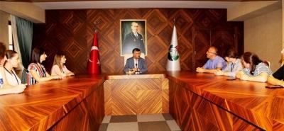 Gürcü Öğrencilerden Vali Bektaş'a Ziyaret