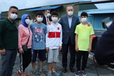 Hava Muhalefetine Takılan Cumhurbaşkanı Erdoğan Programını Yarıda Kesmek Zorunda Kalarak Rize'den Ayrıldı