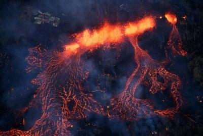 Hawaii'deki Kilauea Yanardağı 31 evi yuttu