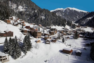 İngiltere merkezli gazete, Kaçkarlar'ın ve Ayder'in kış turizmi ve sporları için cazibe merkezi olabileceğini belirtti.
