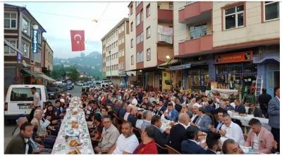 Kendirli'de Düzenlenen Geleneksel iftar programına yoğun ilgi