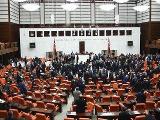 Meclis rekor için mesai yapacak