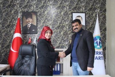 Merkez Parti,  Erzurum Kadın Kolları Başkanlığına Sabriye Güloğlu Toprak'ı atadı.
