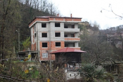 Rize Emniyet Müdürü'nü Şehit Eden Polis Memurunun Trabzon'daki Baba Ocağında Sessizlik Hakim