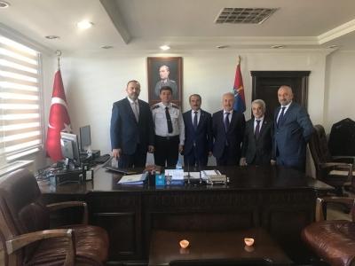 Rize Muhtarlar Federasyonu Rize İl Jandarma Alay Komutanı, Jandarma Albay Hakan DEDEBAĞI'nı ziyaret etti