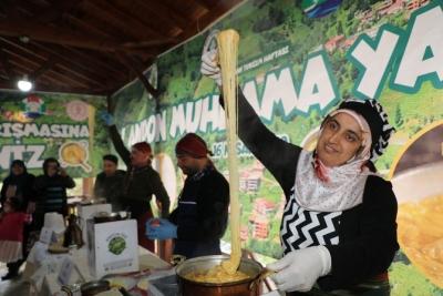 Rize'de Muhlama Yarışmasında 400 Tava Muhlama 1 Saatte Bitti