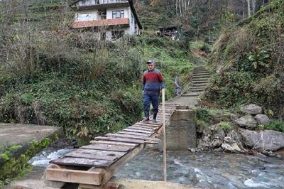 Rize'de selin yıktığı köprüler tekrar yapılacak