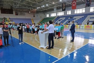 Rize'de Yaz Spor Okulları Açılışı Yoğun Katılım ile Yapıldı