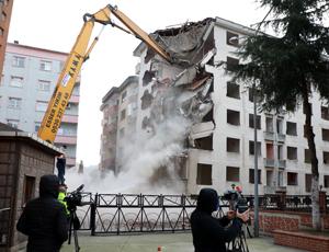 Rize'de Yıkılan Pisa Kuleleri Kira Yardımı İçin Başvurular Başladı
