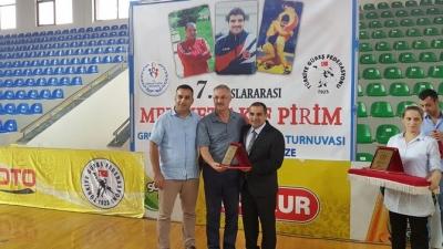 Rize'deki Güreş Turnuvasında Türkiye 8 Altın Madalya İle Birinci