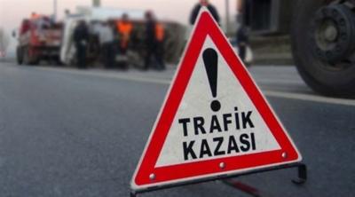 Samsun'da otomobil bariyere çarptı: 1 ölü, 1 yaralı