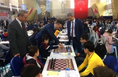Satranç Turnuvasına Yoğun Katılım