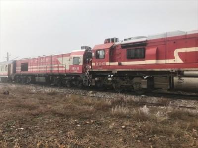 Sivas'ta 2 tren çarpıştı