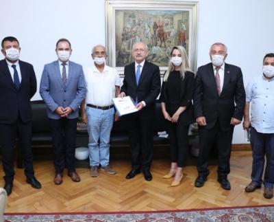 TÜLOV Vakfından CHP Genel Başkanı Kemal Kılıçdaroğlu'na ziyaret.