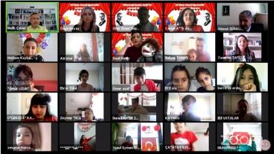Vali Kemal Çeber 23 Nisan'da Video Konferans Yöntemi ile Çocuklarla Bir Araya Geldi