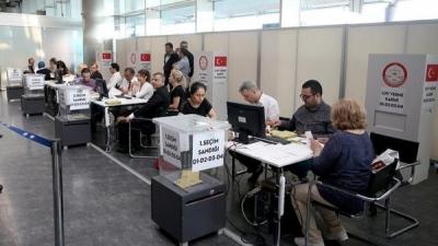 Yurt dışında seçimin ikinci günü 40 bin kişi oy kullandı